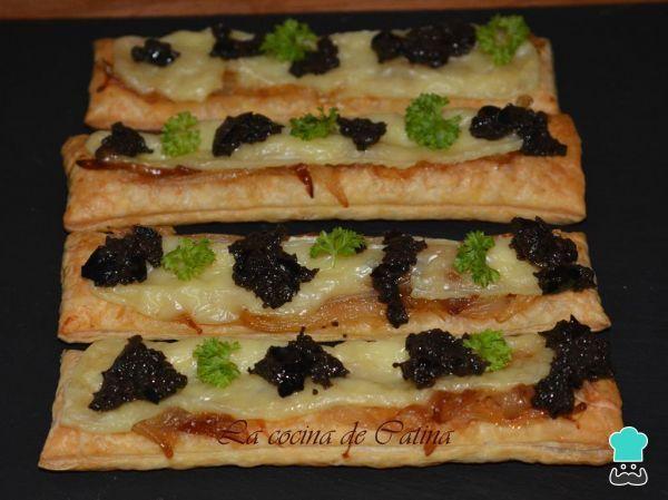 Receita de Folhados de cebola caramelizada e queijo brie