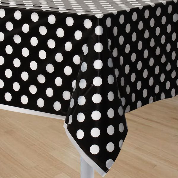 Black polka dot table cover would look cute with pink for Black polka dot tablecloth