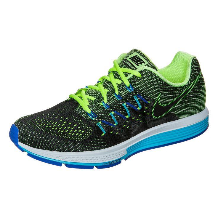 Zoom Vomero 10 Laufschuh Herren    Der Nike Zoom Vomero bietet in seiner 10. Auflage optimale Atmungsaktivität und bringt mit jedem Schritt pure Lauffreude auf die Straße, gleich wie lang die Strecke auch sein mag.     Durch das leichte Mesh-Obermaterial bleiben deine Füße auch bei heißen Temperaturen schön trocken und kühl. Dank der integrierten Flywire-Fasern umschließt das Schnürsystem den M...