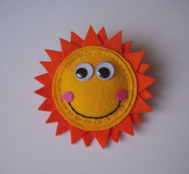 felt sunshine brooch