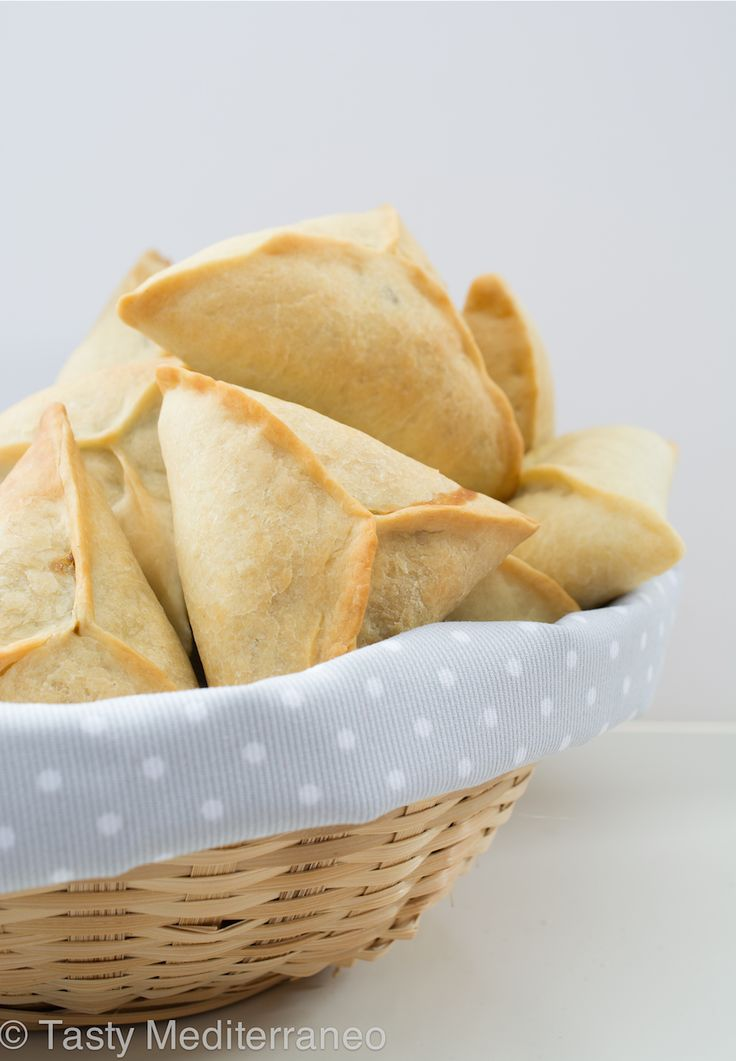 Los mejores Fatayers (empanadillas) de espinacas – Tasty Mediterraneo