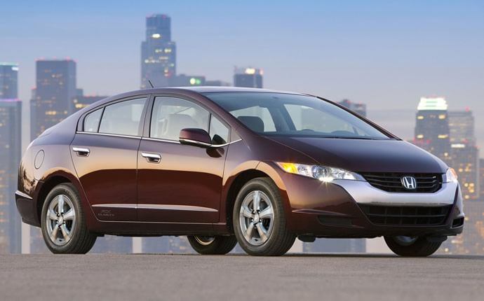 Honda FCX Clarity -- The Zero-Emissions Electric Vehicle of the Future. A Reality Today.