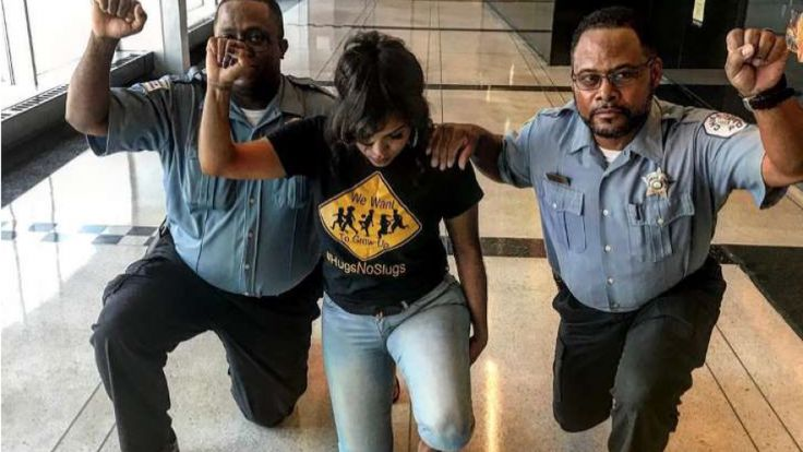 Chicago Police Officers Kneel In Protest, Now Face Disciplinary Action ...