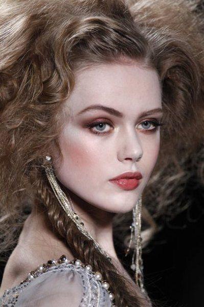 Frida Gustavsson Swedish model born 1993. Height 1.85 Nina Ricci advert, as well as Prada, Max Mara, H&M and Maybelline.