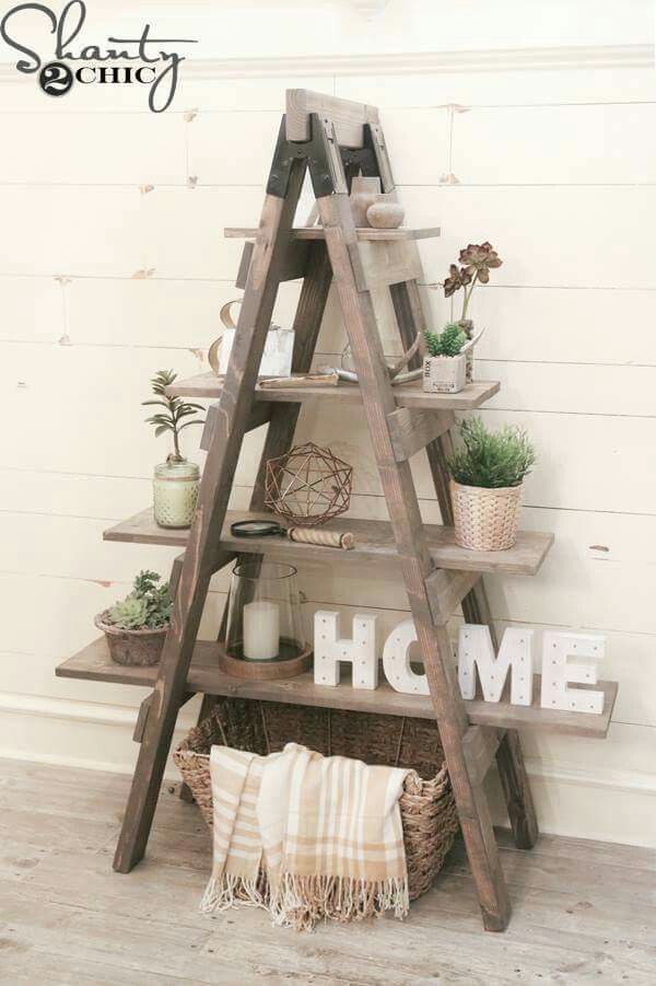 17 best ideas about old ladder on pinterest old ladder decor old ladder sh - Idee deco echelle bois ...