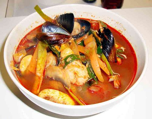 korean food jjamppong   (spicy seafood noodles) via maangchi <-- I use maangchi for most all my Korean food recipes!