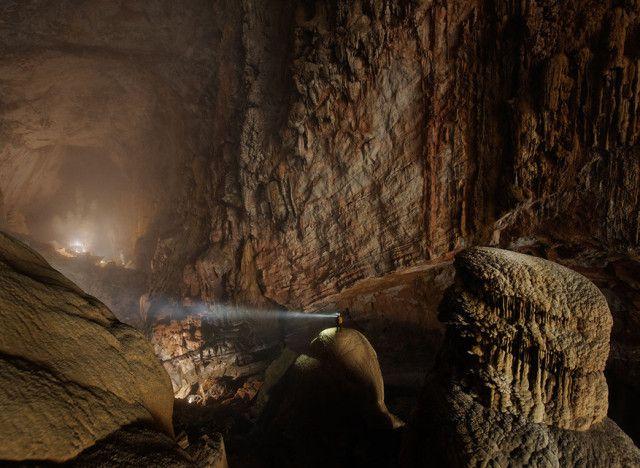 La grotta di Hang Son Doong nella provincia di Quang Binh, in Vietnam  Son Doong è la grotta più grande del mondo, formata 2–5 milioni di anni favietnam