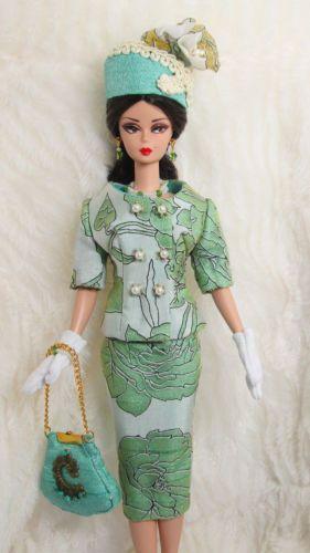 Vestido Roupa Verde Feito À Mão Bolsa Chapéu Luva Joias Para Boneca Barbie  Silkstone Sui Generis cd753af2856