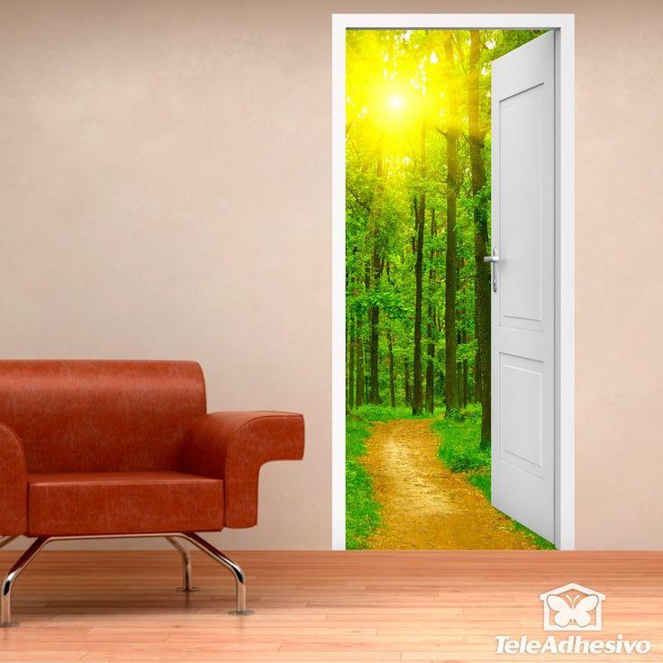 Vinilo decorativo de puerta abierta a un camino y a un bosque