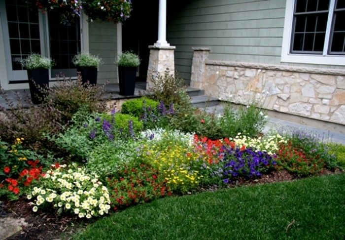 Small Front Yard Landscaping Ideas | Small Front Garden Full Plants, 700x486 in 114.2KB