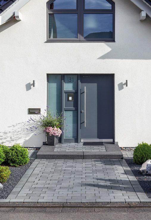 Eingangsbereich Haus Außen : 20 besten hauseingang bilder auf pinterest garten terrasse landschaftsbau und hauseingang ~ Watch28wear.com Haus und Dekorationen