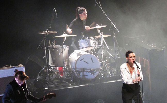 Live Report: Savages @ The Forum, Kentish Town (Londra), 6/11/2013 - RUMORE