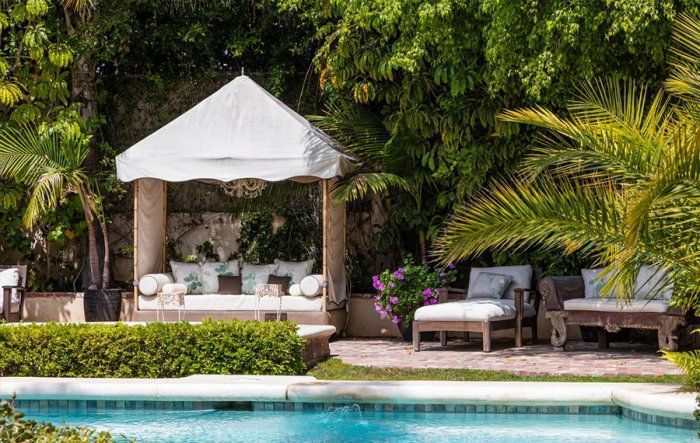 Goldie Hawn and Kurt Russell's Family Home Is as Cozy and Inviting as You Imagined