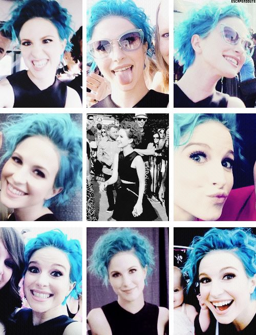 Love the blue hair on her!! Is there a colour she can't wear??!!!:)