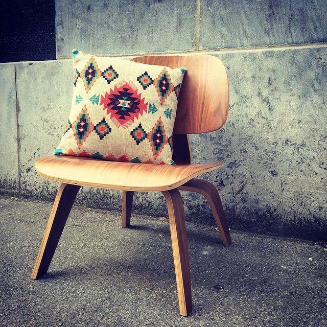 77 best l 39 univers meubles design meubles design 39 s universe images on pinterest cosmos. Black Bedroom Furniture Sets. Home Design Ideas