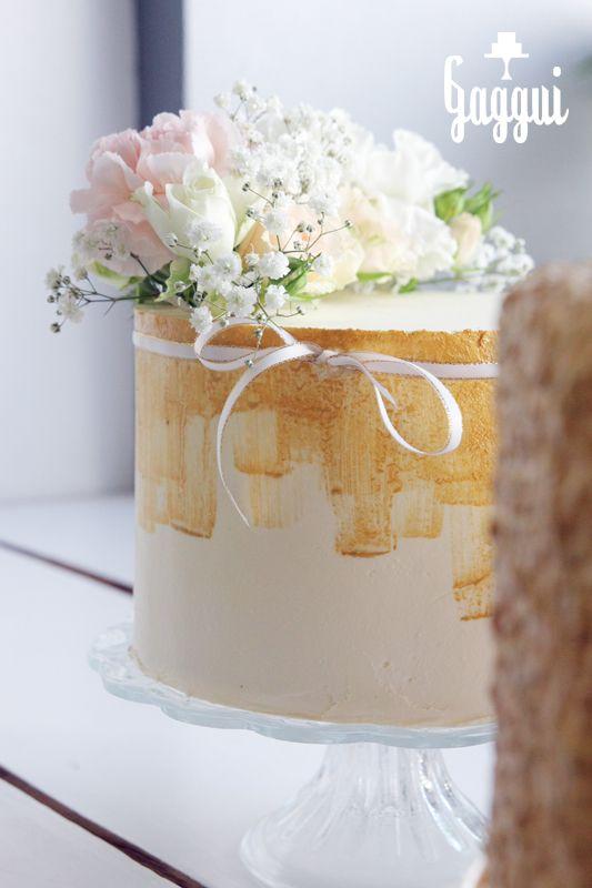 White&Gold WeddingCake.jpg