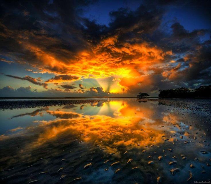Nudgee Beach, Queensland, Australia