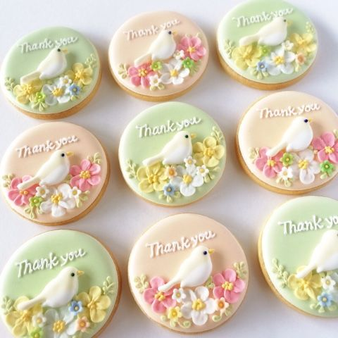 神戸アイシングクッキーレッスン【fiocco】: 小鳥のアイシングクッキー♪
