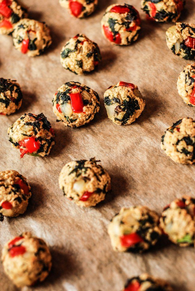baked oatballs with kale and paprika