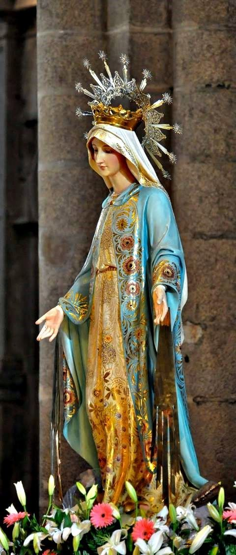 May, the month for rejoicing in our Holy Mother! #pinterest #may #mary LET US PRAY OI most pure, most holy and Immaculate Mary above all God made you beautiful, for He bestowed upon you the fullness of grace.........| Awestruck.tv