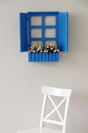 Çiçekli Mavi Ahşap Pencere