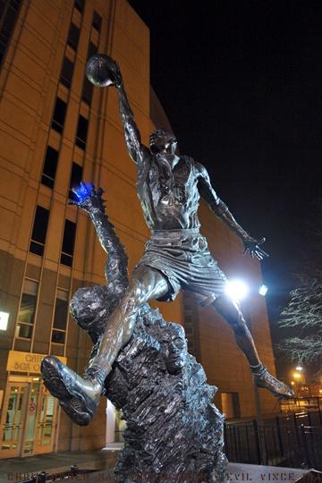 I saw Michael Jordan play at United Center...& scotty pippin & dennis rodman & luke longley & steve kerr....