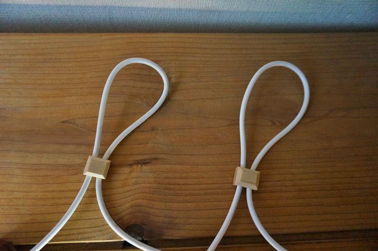 配線のクランプ(小さな四角)もメイプル材で一つ一つ手作りしています。こだわりの一つです。