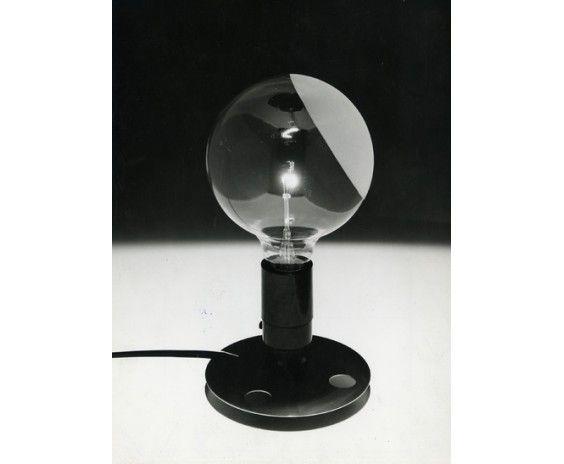 Achille Castiglioni; Aluminum and Bakelite 'Lampadina' Light for Flos, 1972.