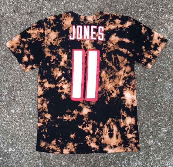 Custom Reverse Dyed Nike Julio Jones Atlanta Falcons Unisex Adult M // Julio Jones 11 Falcons Acid Wash TShirt  **NIKE Regular Fit Adult Medium, like brand new, no wear and tear, preshrunk during the dyeing process**  ***This shirt has not been distressed! But it can be if thats what you want, just let me know!***  WASHING DIRECTIONS: All of MOKIs shirts are hand dyed and distressed with care, just for you! Wash in cold water on gentle. Areas that have been bleached, dyed and/o...