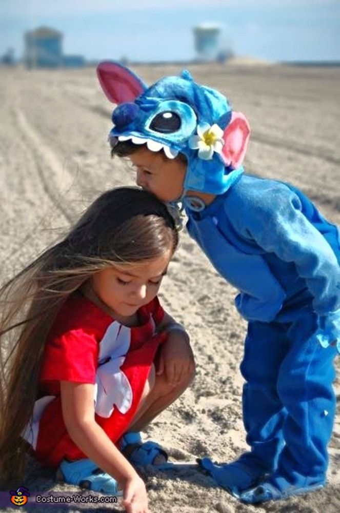 Aww! Lilo & Stitch sibling costumes