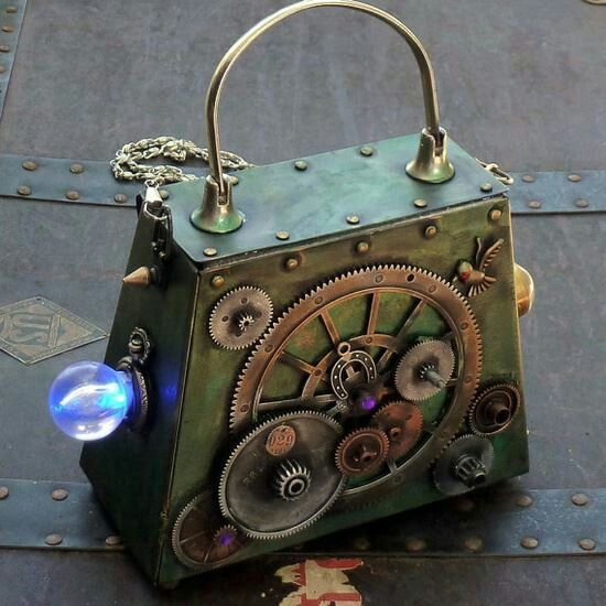 Steampunk purse with light