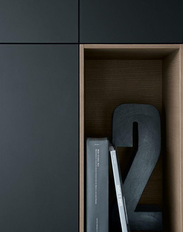Interior design - bibliothèque - compartiment - ouverture - porte - noir - bois