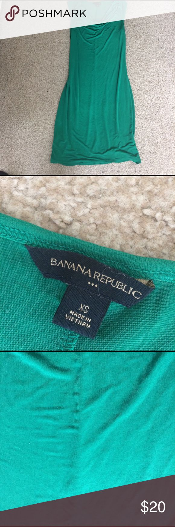 💐🌼 HELLO SPRING 🌼💐 Banana Republic Kelly green dress XS Banana Republic Dresses