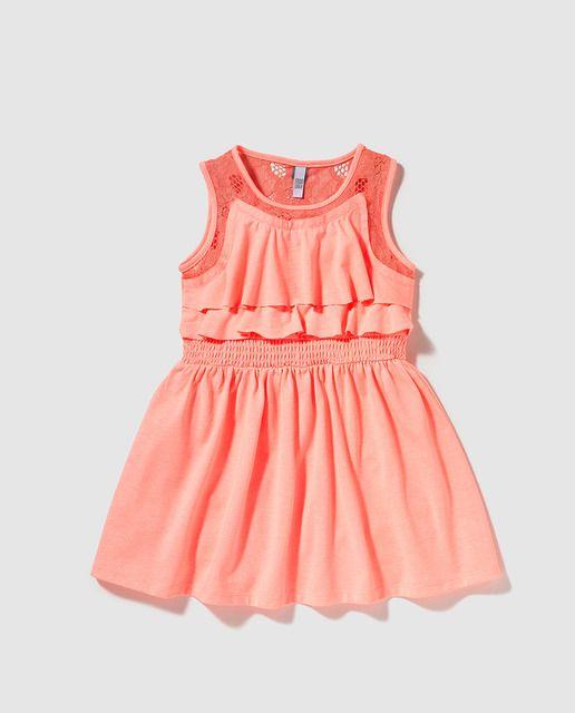 Los mejores vestidos de moda para niñas. Vestidos casual, de vestir, lisos, estampados y de rayas. Gran variedad de modelos para todas las ocasiones. Compra online en la tienda de moda infantil de El Corte Inglés
