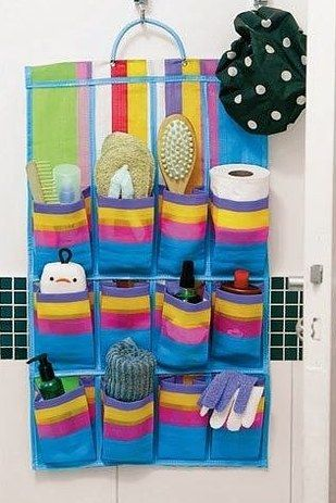 Aquelas sapateiras de feiras baratíssimas podem organizar a lavanderia ou o banheiro. | 24 truques de organização que vão tornar sua vida melhor