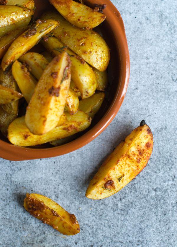 We trappen af met een gerecht dat typisch een Spaanse tapas is: Patatas Bravas!