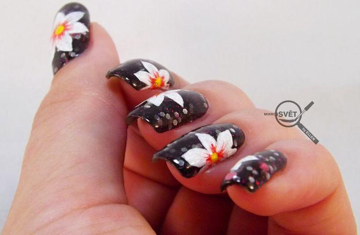 Mikrosvet by Ellen: NAIL ART: White flower with Beyond