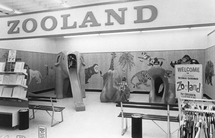 A special feature of Richman Gordman stores was Zooland for children. The Lincoln store had an area similar to this one in Omaha.