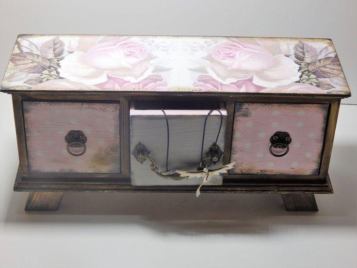 Decoupage box for jewwels.