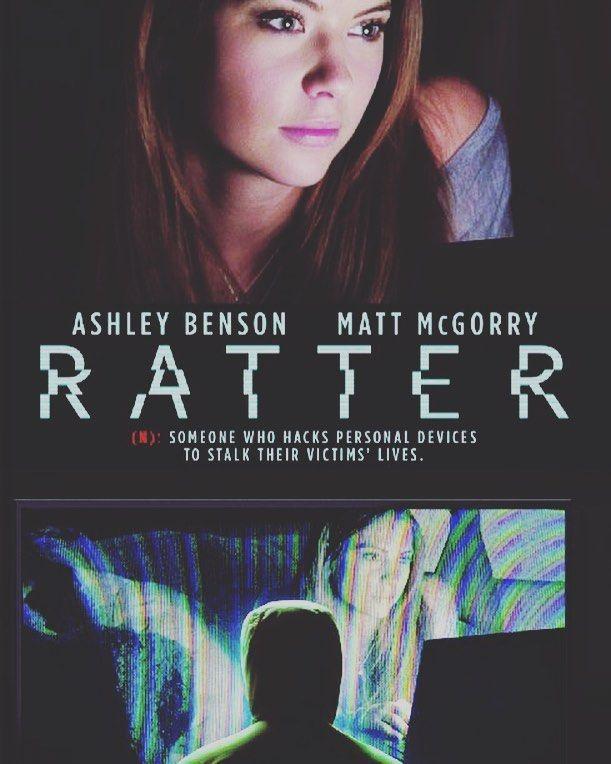94.01.03 Ratter 2015 Filmbaz2.co اما دانشجوی کارشناسی ارشد می باشد. او به تنهای در شهر نیویورک زندگی می کند و به تازگی احساس می کند لپ تاپ و تلفن همراهش توسط کسی کنترل می شود و  #myfilmbaz #filmbaz #filmbaz2