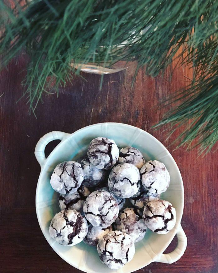 Krakelerede chokolade-cookies