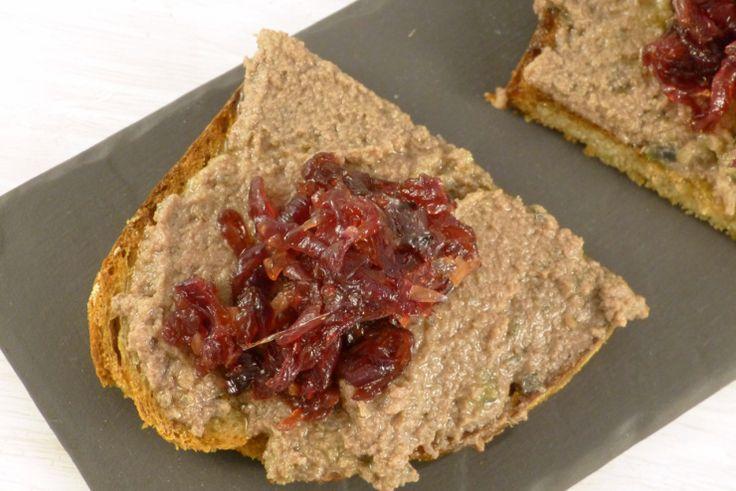 Crostini mit Entenleber und Zwiebelmarmelade – magentratzerl