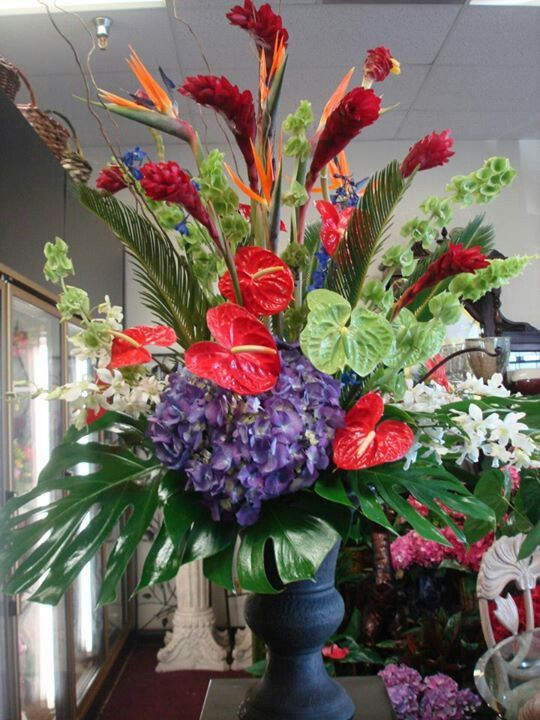 Tropical Floral Arrangement For Corporate Event By Robyn Robyn S Floral Pinterest Tropical