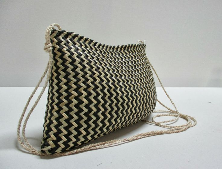 Kete+Evening+Bag. With 4 ply muka handles - Michelle mayn