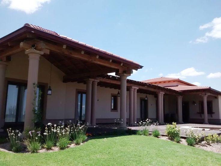 M s de 25 ideas incre bles sobre estilo californiano en for Fotos de fachadas de casas estilo californiano