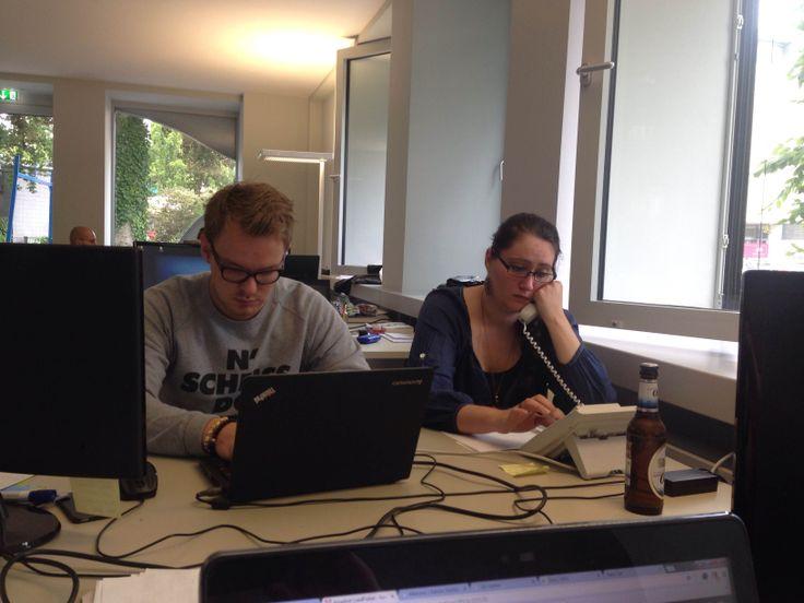 #Officealltag2.0 #werhatanmeinemTischchengesessen #Mylittlejob #Multitasking #Startup