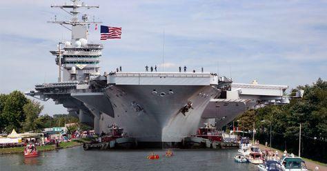 Nicht schlecht staunten Anwohner des Dortmund-Ems-Kanals, als sie heute Morgen Zeugen wurden, wie sich der nukleargetriebene Flugzeugträger USS Carl Vinson langsam durch den Dortmund-Ems-Kanal schob. Offenbar hat sich das 97.000 Tonnen schwere ...