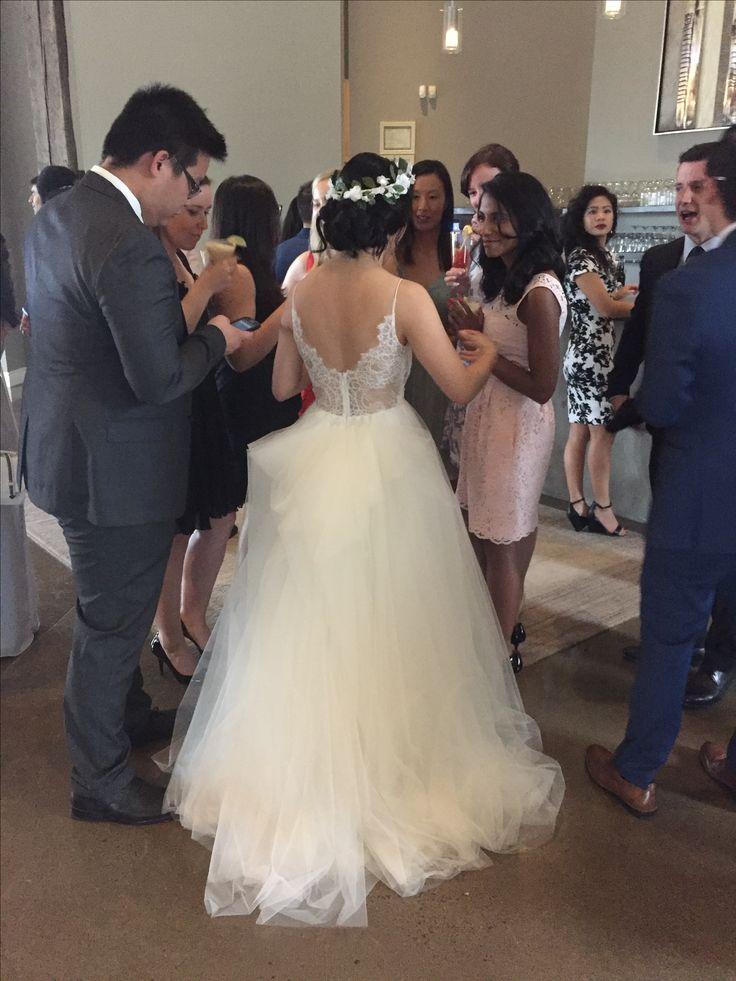 Floral crowns 🌸   #bridalstyle #flowercrown #bride #weddingdress