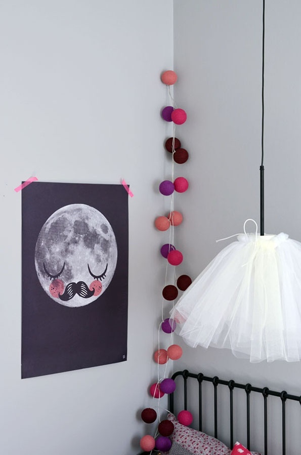 DIY LAMPS FOR KIDS - Tulle pendant lamp