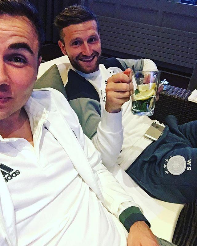 Pin for Later: Hier findet ihr die deutsche Fußballmannschaft auf Instagram Mario Götze